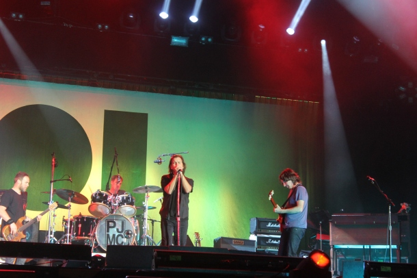 1206 30Pearl Jam - Main Square Arras (18)