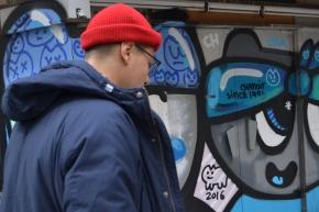 Una cerveza con el grafitero colombiano que la rompe enEuropa