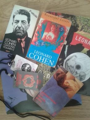 Cohen también tocabaguitarra
